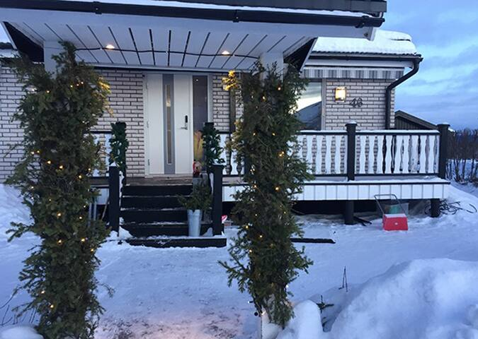 Front of the house has a roomy porch and parking for 2 cars.   5 minutes walk from the house to Icehotel, convenience store, Jukkasjärvi church and Sami village.
