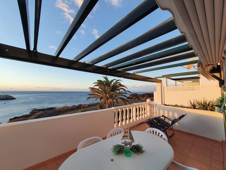 Two bedrooms Sea front apartment in Amarilla Golf