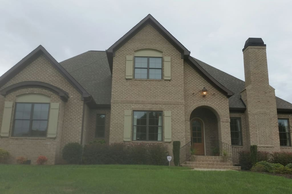 Home located in quiet, secure neighborhood