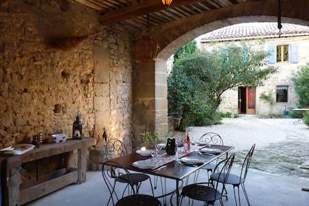 Le Petit Bréjas, en Provence - Mondragon - Huis
