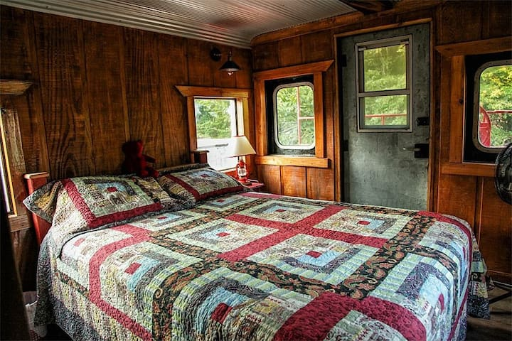 Very comfy queen size bed in the bedroom. Mattress is the same as the ones they have at The Inn at Christmas Place in Pigeon Forge, TN.