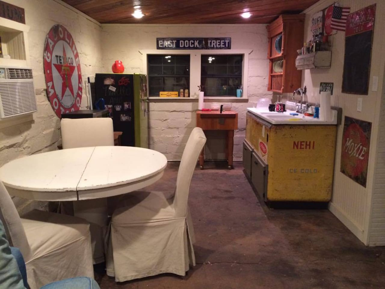 Kitchen area! Microwave and fridge.