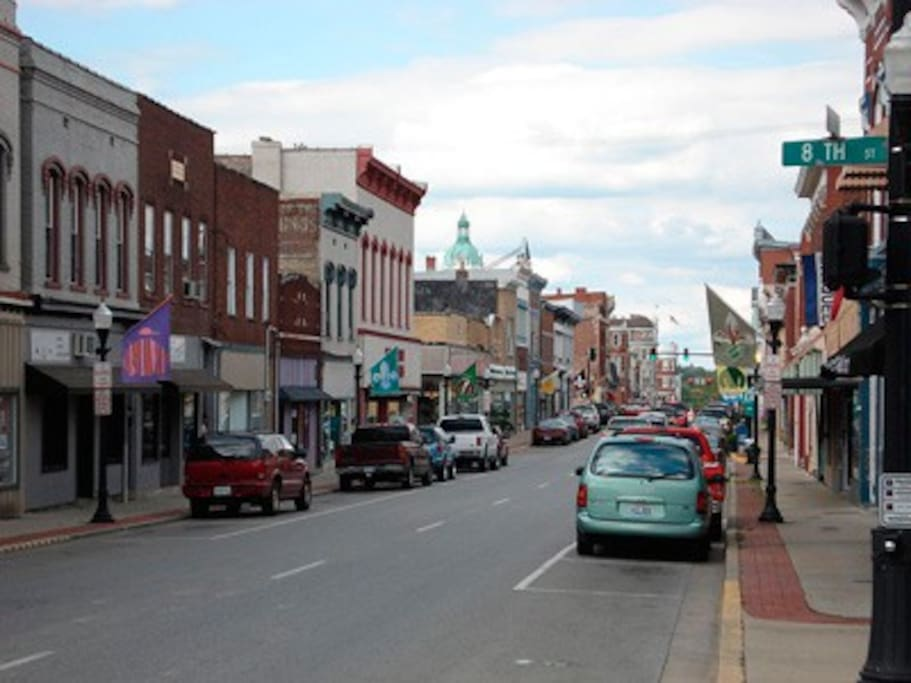 WELCOME TO BOURBON COUNTY - Experience our History, Charm and Hospitality.