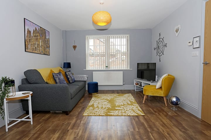 George Hudson Ground floor apartment with parking
