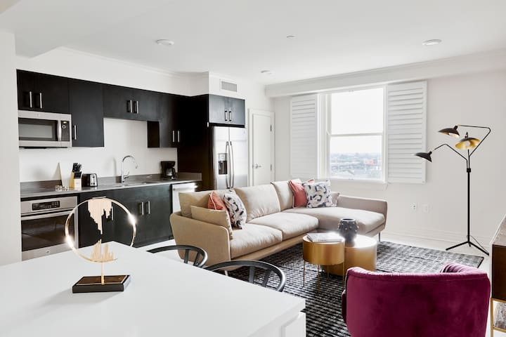 Sunny 2BR-B with Canal Street View by Sonder