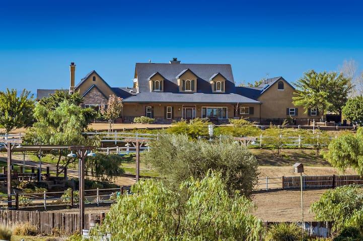 Villa del Vino Sanctuary Estate