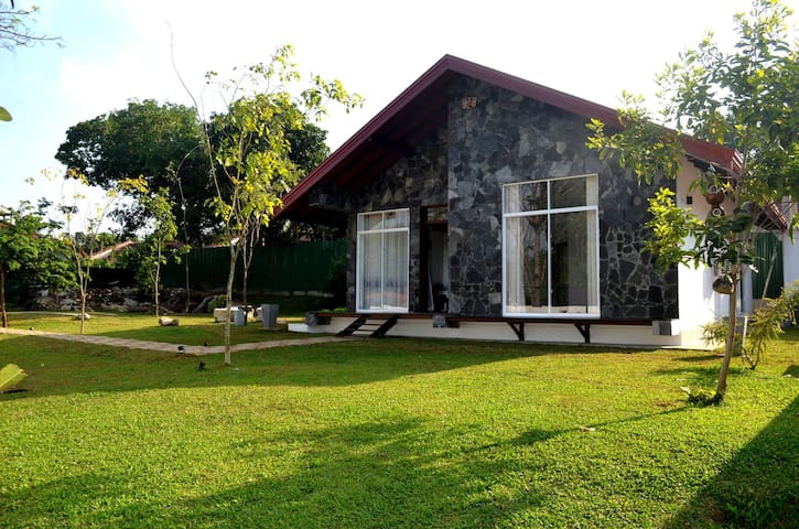 Sheezen Eco Villa  - Garden View