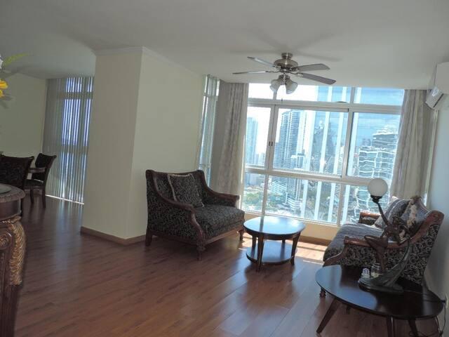 Elegante Apartamento  Av Balboa PH Bayfront Tower