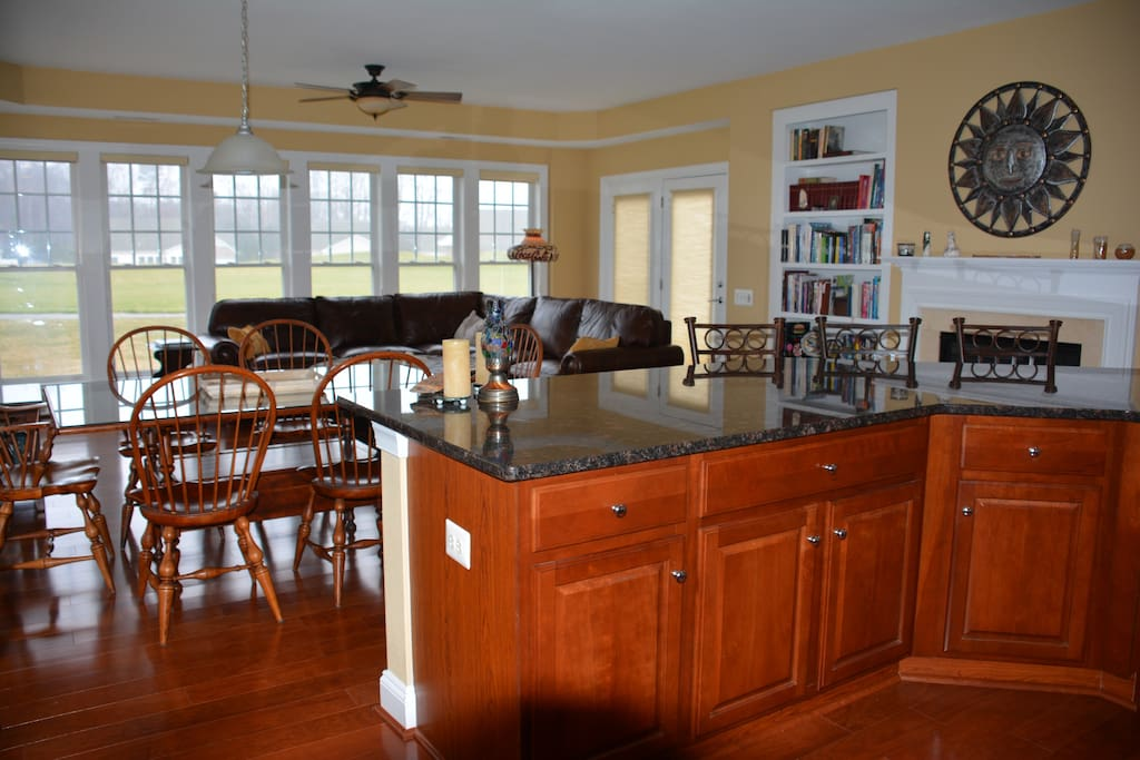 Eat In Kitchen & Family Room