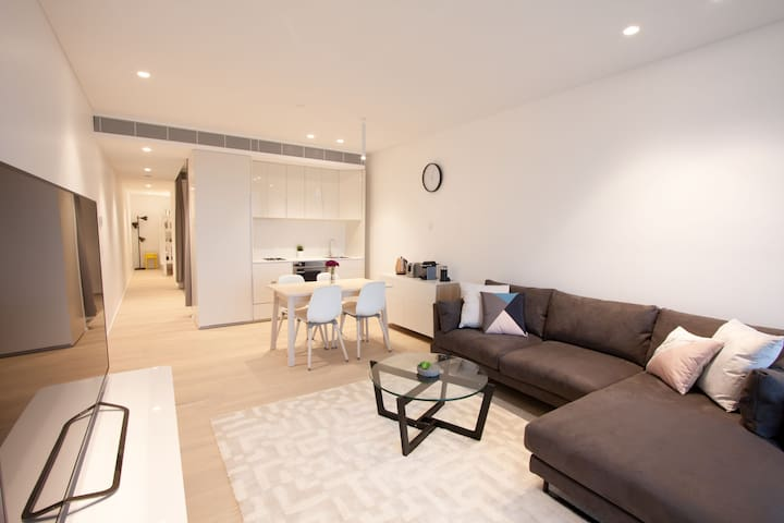 Luxurious 2 Bedroom Apartment in Heart of Sydney - Chippendale - Apartment