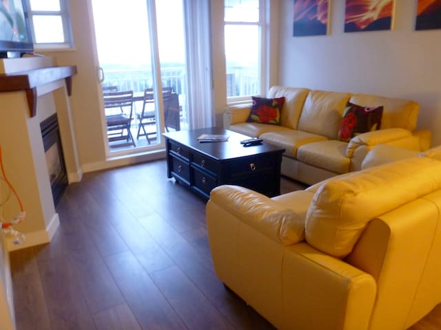 Amazing view from a modern Condo - Coquitlam - Appartement