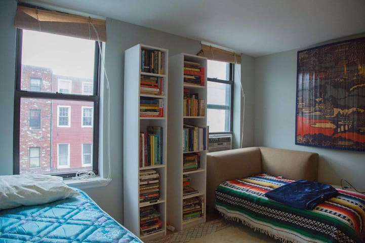 Bushwick Apartment with Access to L and M Trains