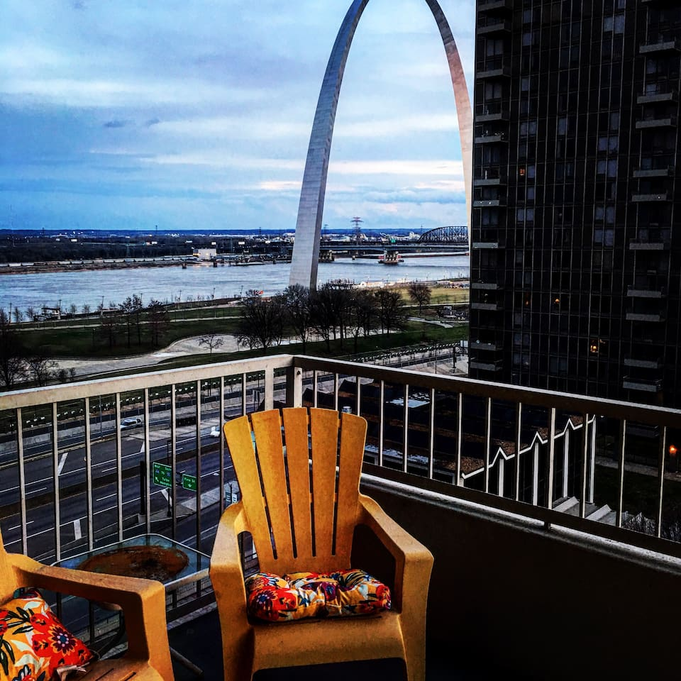 Water views from the large private balcony with unobstructed views of the arch!