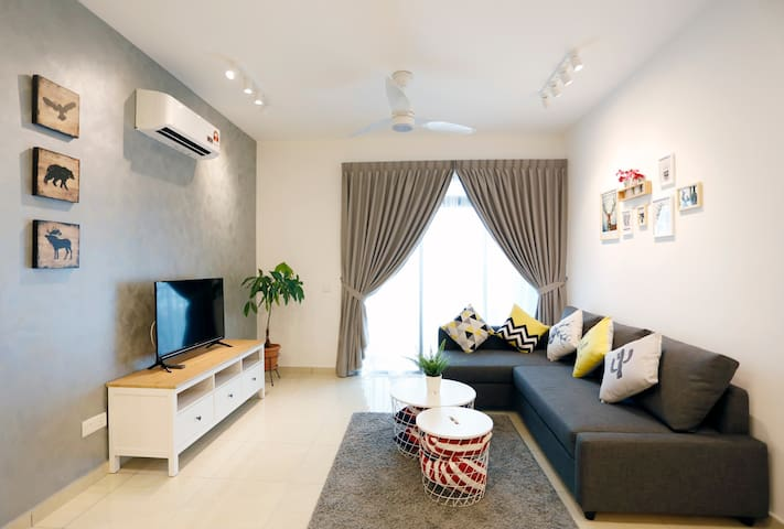 【2 bedroom apt best for 4-6 pax】by HomeCube