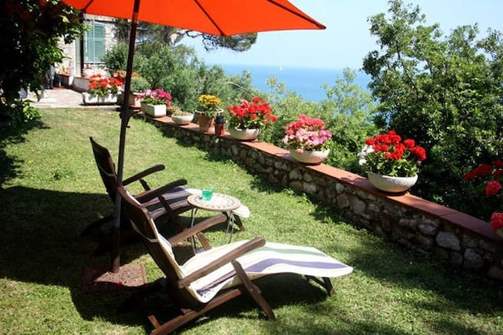 Casa Portoro, garden, terrace, a/c, parking, wifi