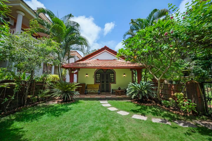 Charming 2-bedroom bungalow for six/74218