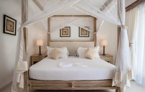 Luxury 2 Bedroom Beach Apartment in medina palms