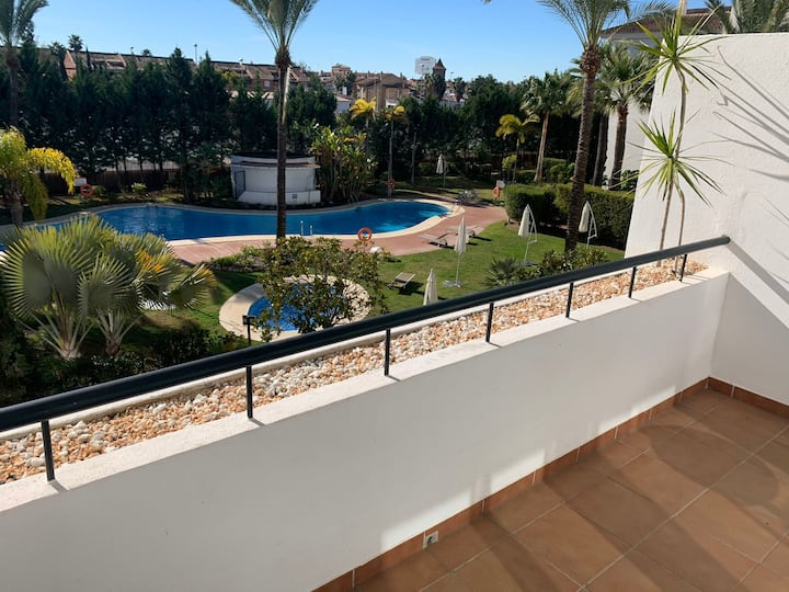 2 Bedroom Apt. in perfect location Nueva Andalucia