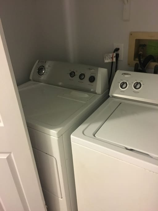 Full washer and dryer for use.