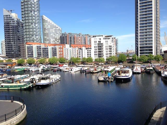 Luxury Apt in modern development with marina view - London - Apartemen