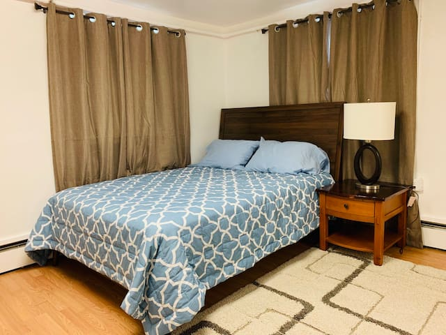 2bed room mid town apartment