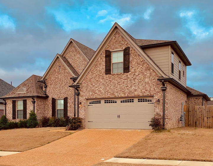 Entire House!! Lux and Modern stunning 4 Bd 3 Bath