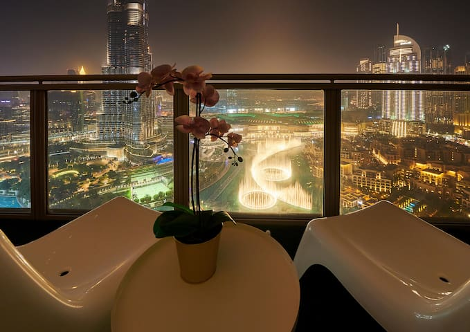 View the Dubai Fountains & Burj like no other!