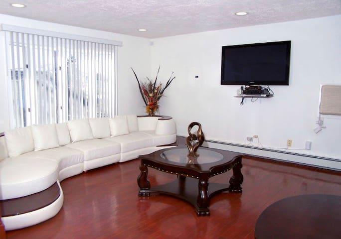 3br private apartment