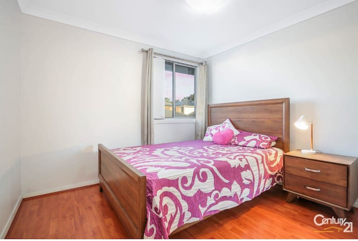 Luxurious Room For Females