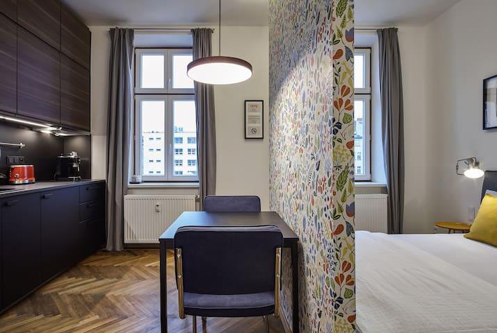 Top located design apartment III
