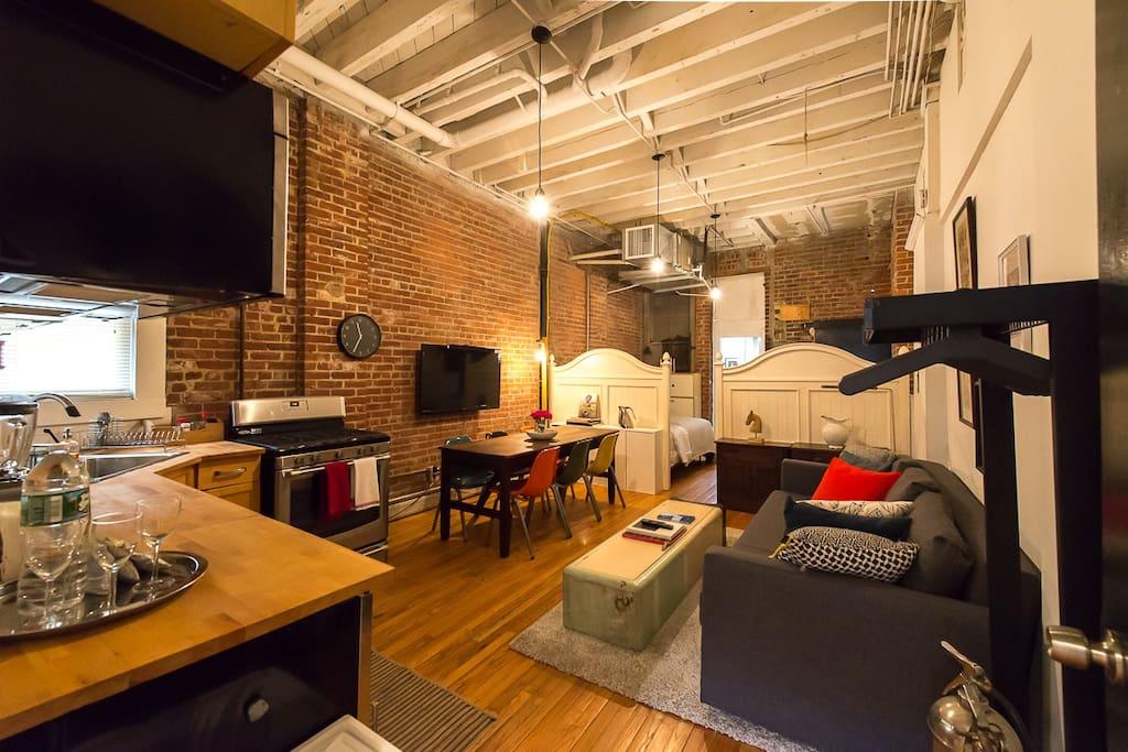 Huge Artistic Brick Wall Studio Sleep 6 Near NYC ...
