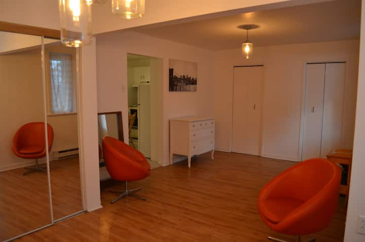 Full appartement near the center of the city