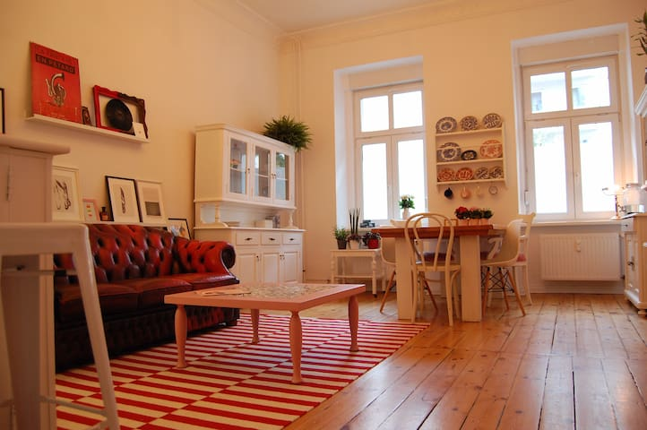 Charming quiet room in Mitte!