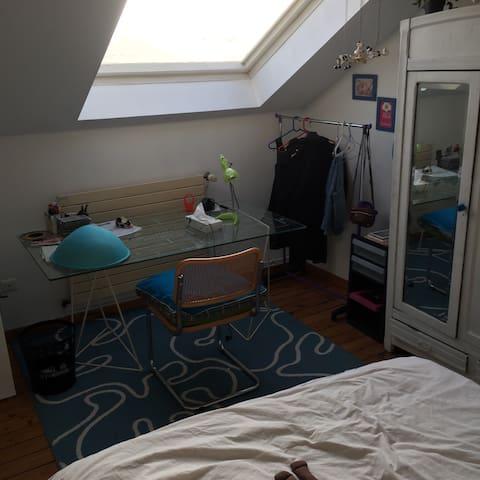 Belle chambre 20 minutes de Lille. - Houplin-Ancoisne - Bed & Breakfast