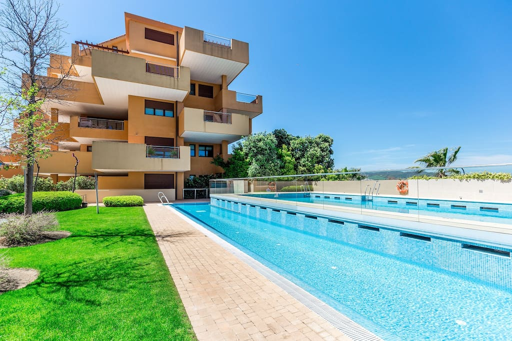 exclusive Waterfront Apartments in the Sotogrande Marina ...
