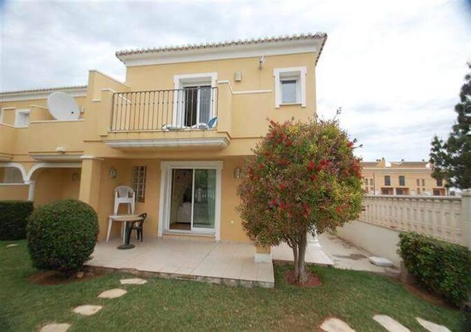 Bungalow Close to Golf,Mountain,Sea - Alicante - Casa