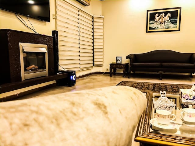 Private, Clean, Cozy ground floor of the house DHA