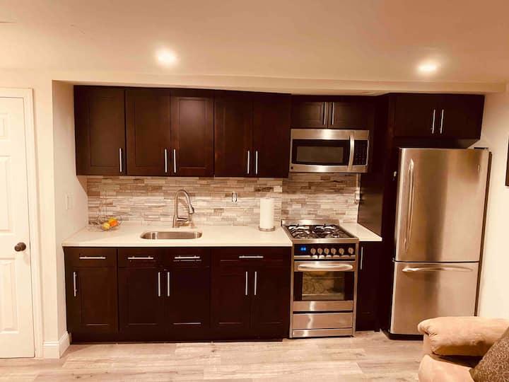 Cozy studio with modern kitchen and bathroom