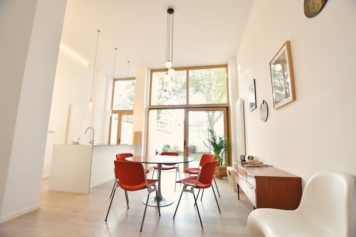 Art & Vintage 2-bedrooms appartement