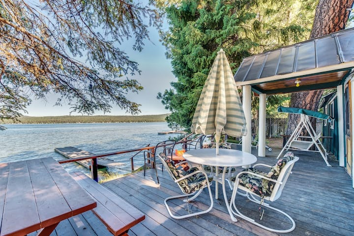 Lakefront cabin w/ private dock, gorgeous views near beach, golfing and skiing!