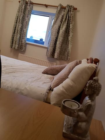 Lovely bright room, next to GMIT University