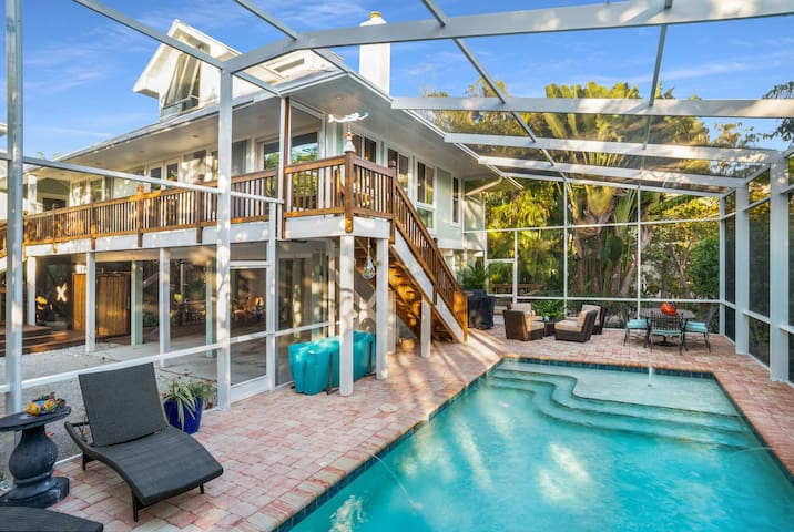Nerita Home on Sanibel Island - Pool/Hot Tub and Walk to Beach