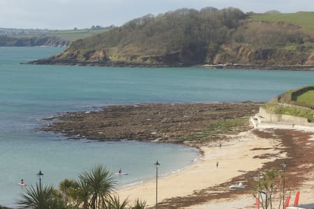 44 seconds from Gyllyngvase Beach - Falmouth - Rumah