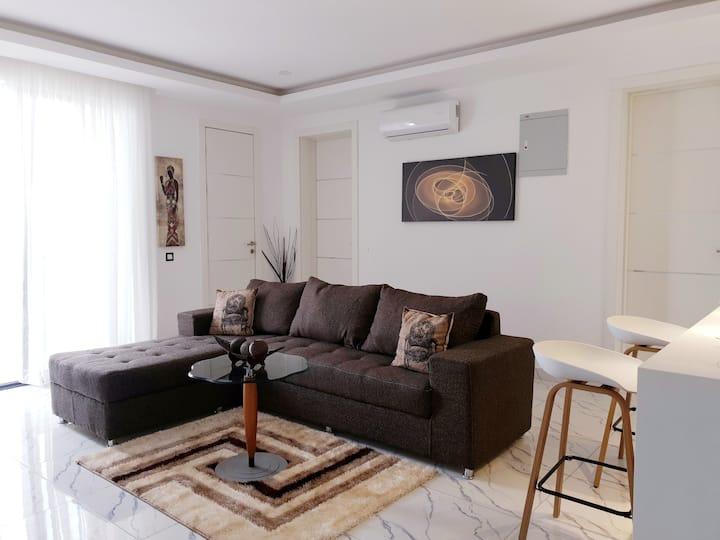 Novus Sensa (3E)- Modern and Chic 2BD apartment