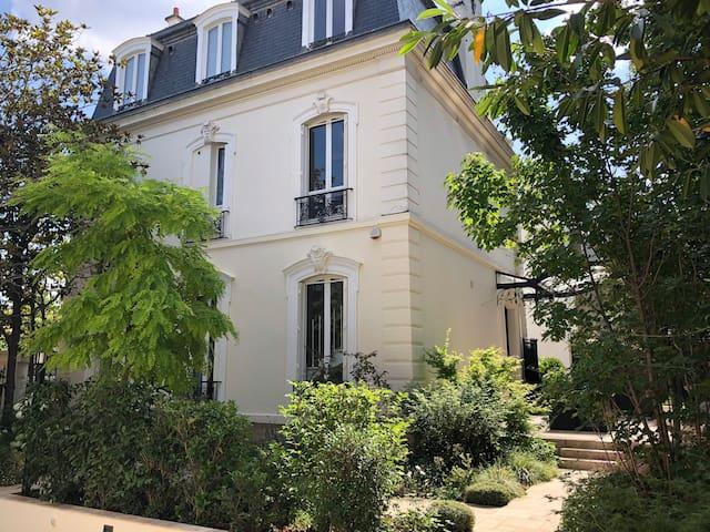 Hotel Particulier, Paris, Roland Garros