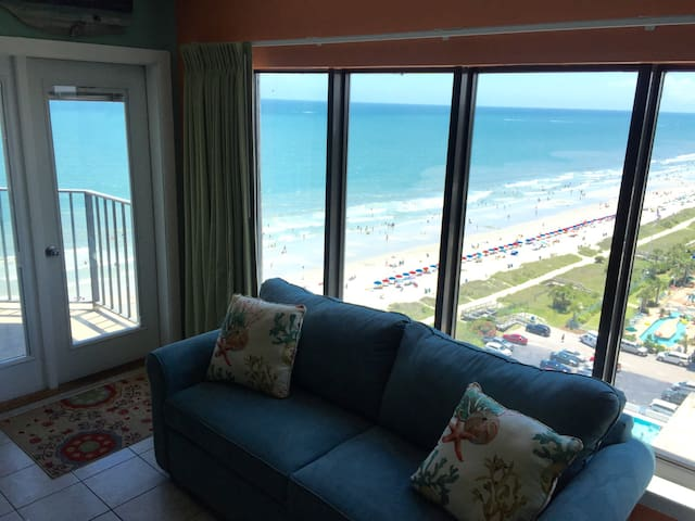 OCEANFRONT RESORT CONDO! - Myrtle Beach