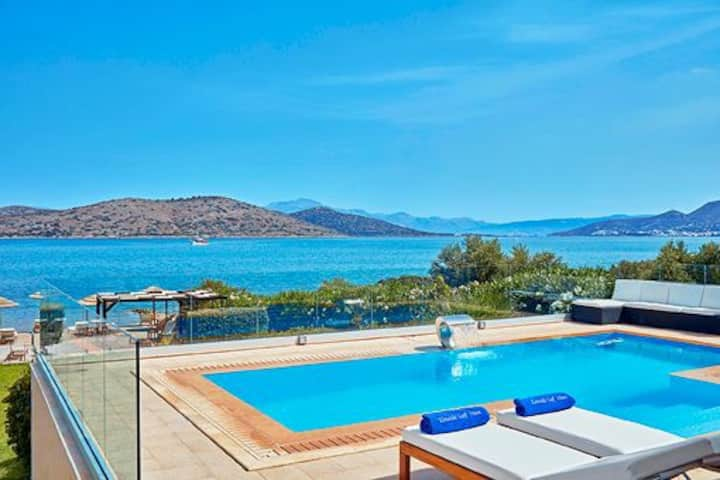 R 289 Spacious Villa Private Heated Pool Sea Views  Breakfast Included Outdoor Jacuzzi