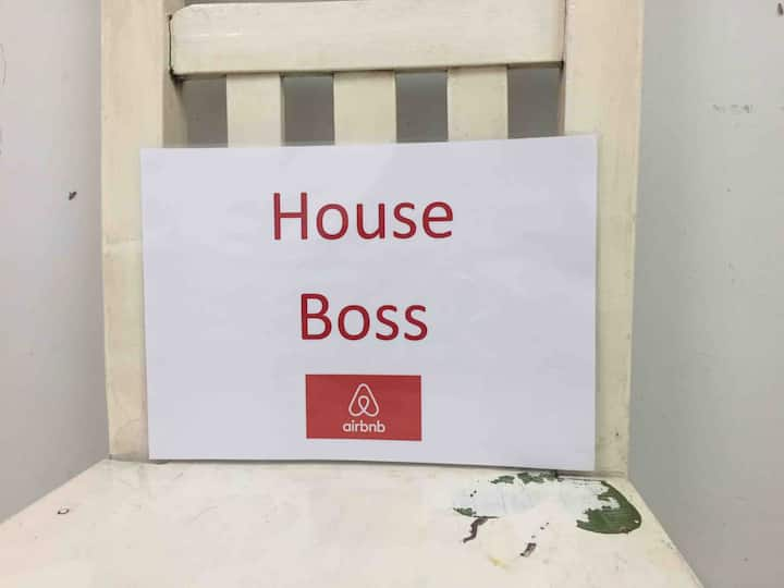 Boss House (NEAR MRT BL04)+4room+1bath+11people)