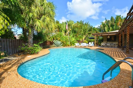 The Resort:Enormous Private Pool, mins from beach - Oakland Park - Rumah