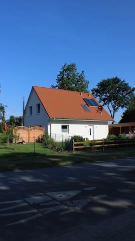 Haus am Wald - Cadenberge - House